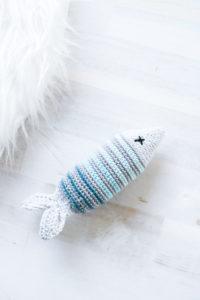 Spielzeugfisch für die Katze häkeln