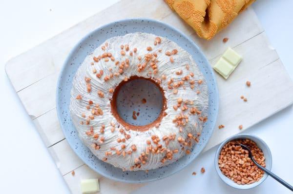 Beschwipster Eierlikör-Rum-Kuchen mit weißer Schokolade