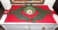 Weihnachtlicher Tischläufer mit Schleifen Patchwork