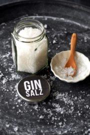 Gin-Salz, einfach selbstgemacht! DIE Geschenkidee für Gin-Fans. Mit Freebie-Etikett