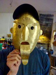 Metall Masken- Skulpturen Schmieden in der Toskana
