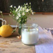 Zitronen Kerzen herstellen für einen gemütlichen Sommerabend auf der Terrasse