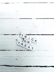 SCRABBLE ORNAMENTE ZU HALLOWEEN