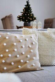 5-Minuten-DIY für ein winterliches Kissen im Skandi Look