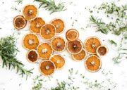 Orangenscheiben trocknen für Weihnachten
