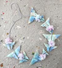 Frühlingskranz mit Origami-Schmetterlingen