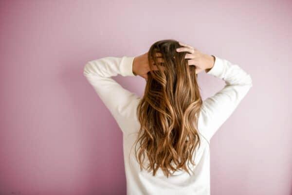 Von Avocado bis Buttermilch – 6 natürliche Haarmasken zum Selbermachen