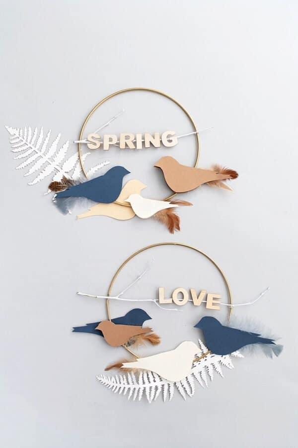 DIY Deko-Wandkranz mit Vögeln aus Papier