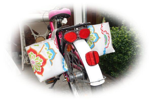 Fahrradtasche aus Wachstuch für Gepäckträger Kinderfahrrad nähen , ganz einfach !