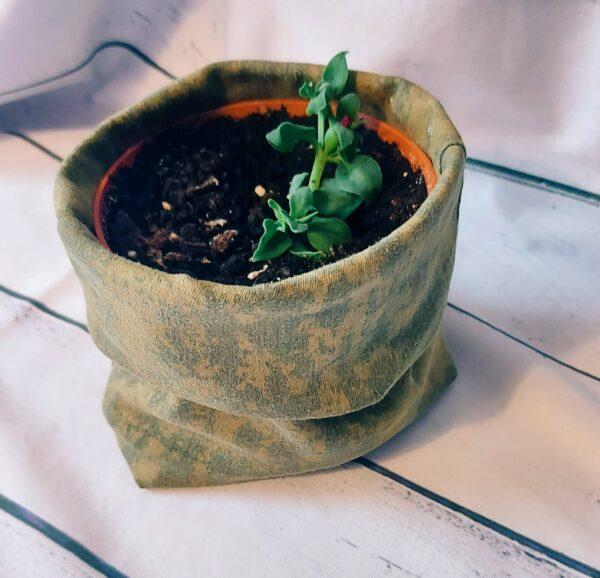 Utensilo statt Blumenübertop - Schnelles Upcycling aus alten Hosen